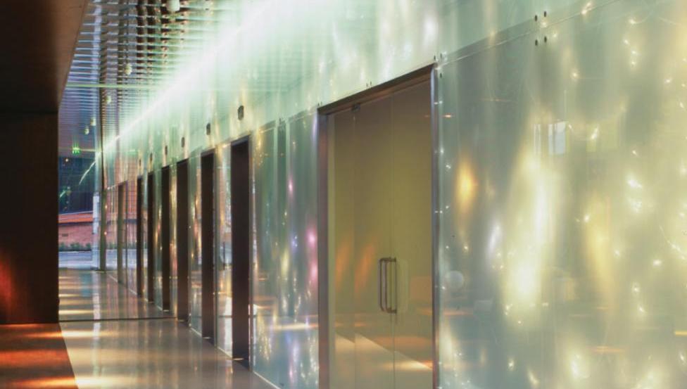 OPALIT EVOLUTION | Geëmailleerd en gehard glas voor scheidingswanden van Saint-Gobain Building Glass