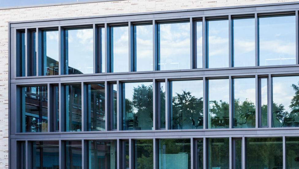 Effiziente Sonnenschutzverglasung, hervorragende Lichtdurchlässigkeit | CLIMAPLUS COOL-LITE SKN und CLIMATOP COOL-LITE SKN