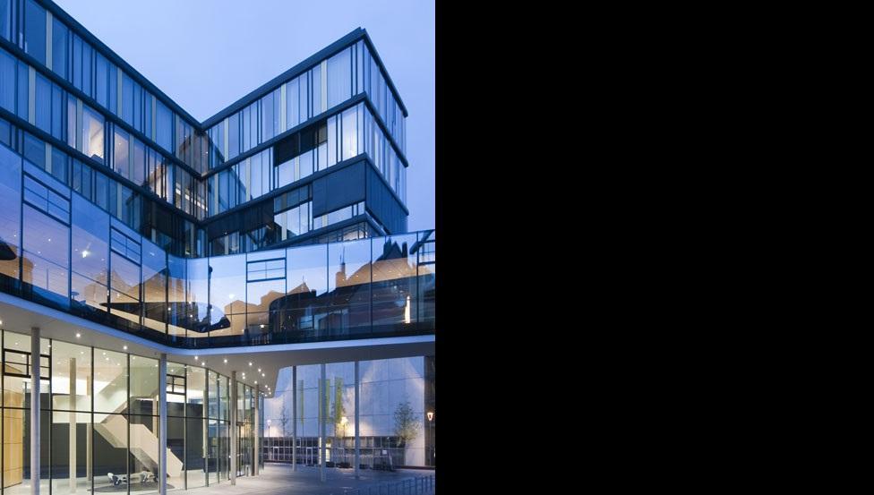 SGG COOL-LITE ST 150  voor architecturale glazen gevels | Saint-Gobain Building Glass