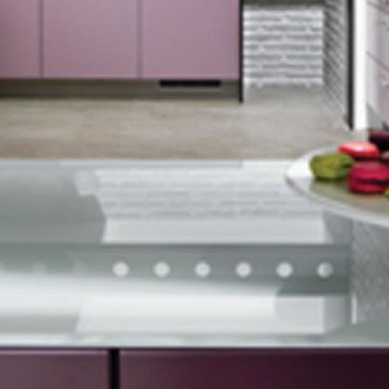 Mooie & originele wandbekleding in de keuken met DECOLIT van Saint-Gobain Building Glass